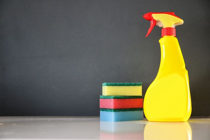 Domowe środki do czyszczenia – 5 przepisów na naturalne środki do sprzątania