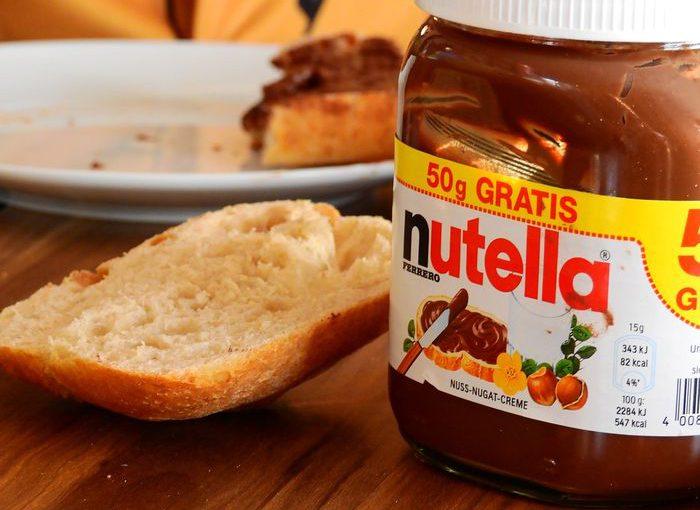 Czego nie powinny jeść dzieci? Lista szkodliwych dla dziecka produktów, które uważane są za zdrowe